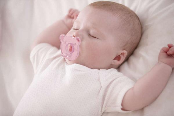 Avent Soothie Pacifier (Anne göğsüne yakın emzik) 0-3  ay kiz bebek